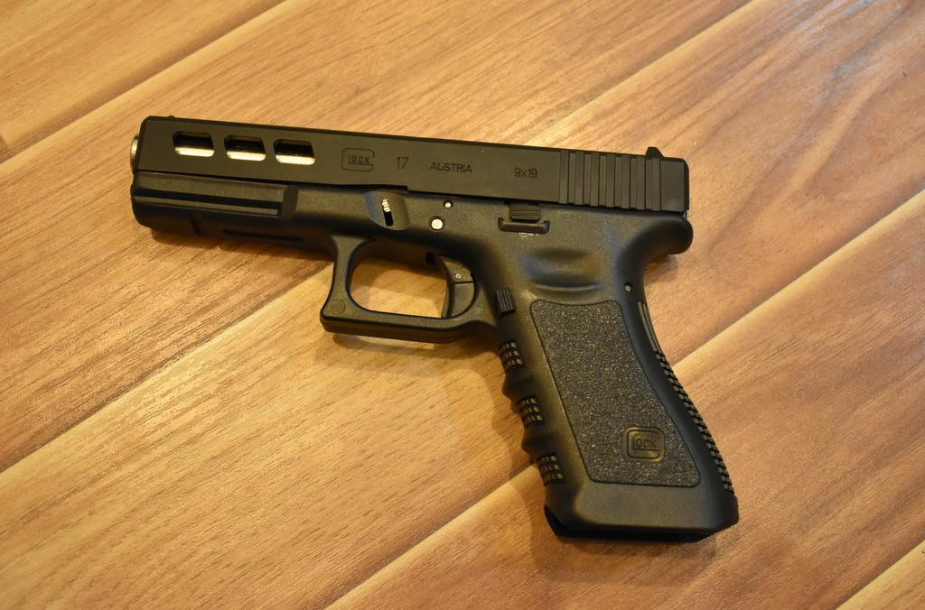Pakistan Made Pistols Gun Glock 17 Full Auto Msa Moon Star Arms Copy